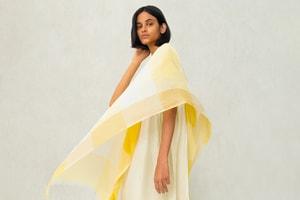 "Picture of UNIQLO Taps New Delhi-Based Designer Rina Singh For SS20 ""KURTA"" Collection"