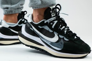 """Picture of Take an On-Foot Look at the sacai x Nike Pegasus VaporFly SP in """"Black/Summit White"""""""