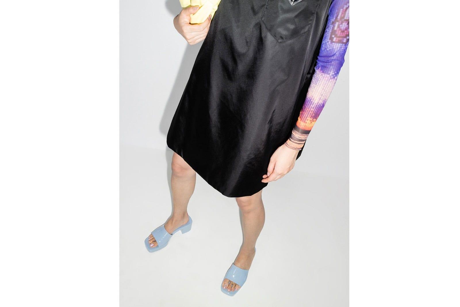 gucci logo rubber slide sandal black