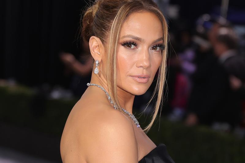 Jennifer Lopez SAG Screen Actors Guild Awards Red Carpet Hair Makeup Beauty Look Black Dress Gown Jewelry