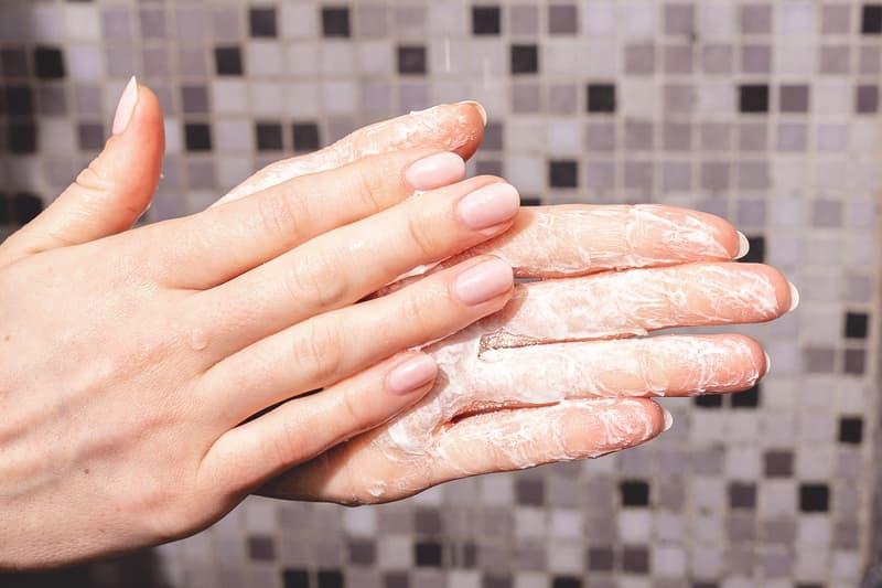 owa waterless powder shampoo sustainable haircare beauty shower