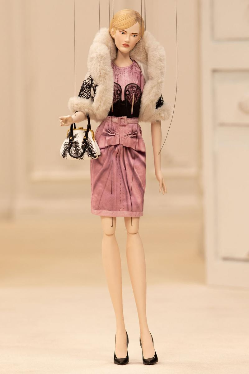 moschino spring summer 2021 puppet show marionette miniature dolls haute couture jim henson creature shop collection jeremy scott