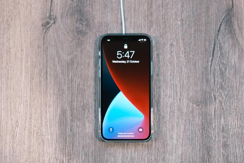 Apple iPhone 12 MagSafe Wireless Charger