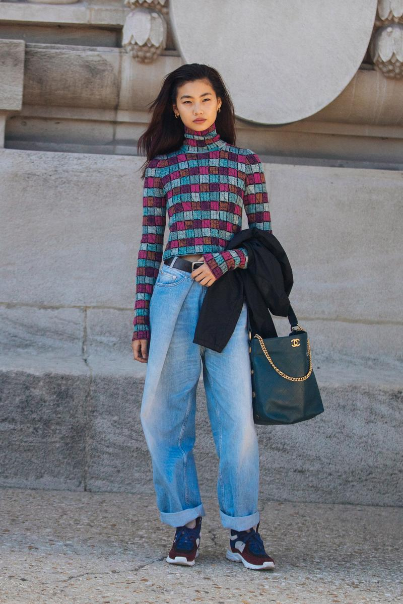 Hoyeon Jung South Korean Model Supermodel Off Duty Fashion Week Outfit Chanel Bag Baggy Jeans Blue Outfit Sneakers