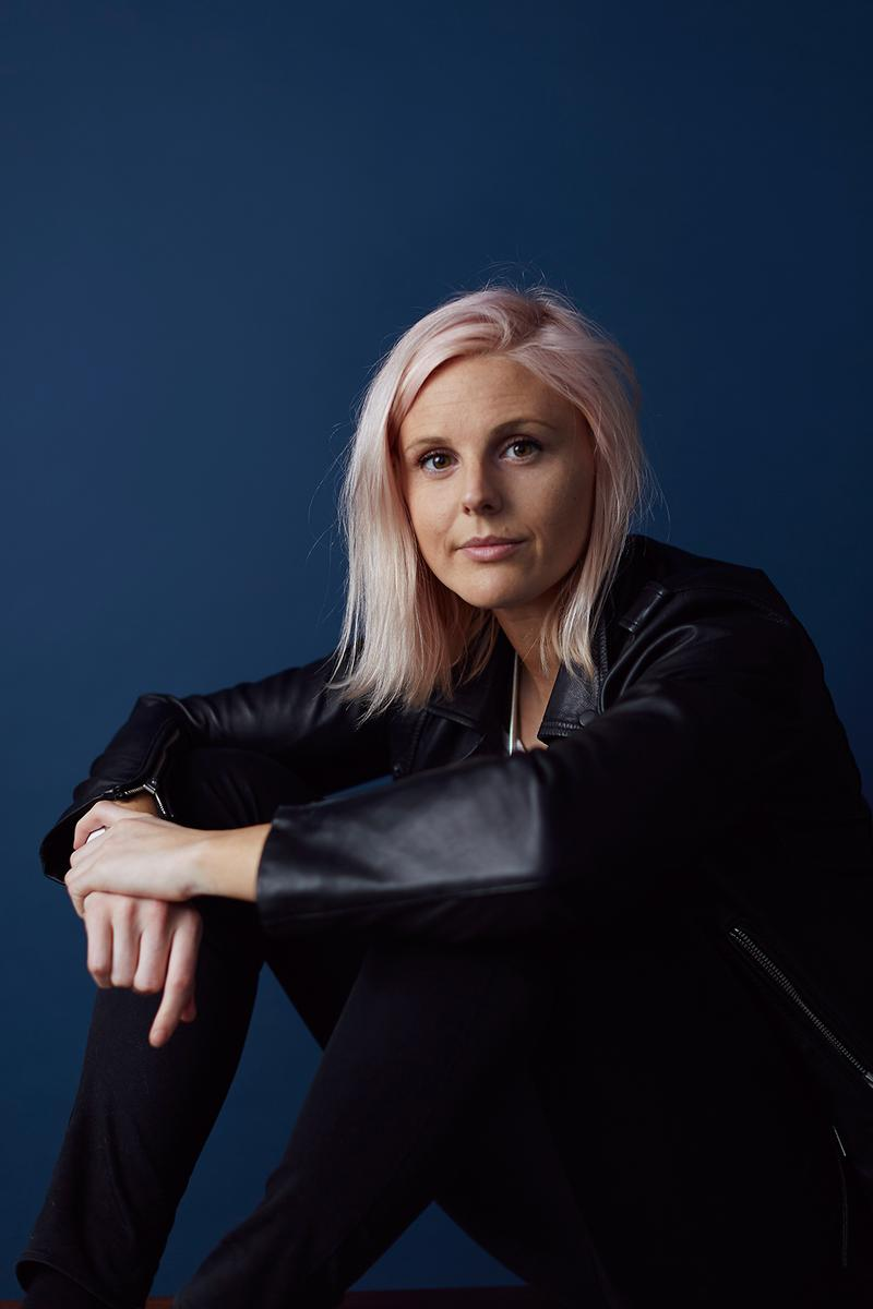 HER lesbian dating app founder robyn exton interview queer lgbtq women womxn