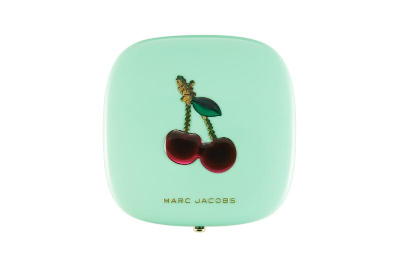 Marc Jacobs Beauty Holiday 2020 Very Merry Cherry Makeup Collection Highlighter Eyeshadow Palette