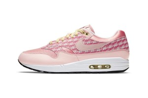 "Picture of Nike's Air Max 1 in ""Strawberry Lemonade"" Is Every Pink Lover's Dream"