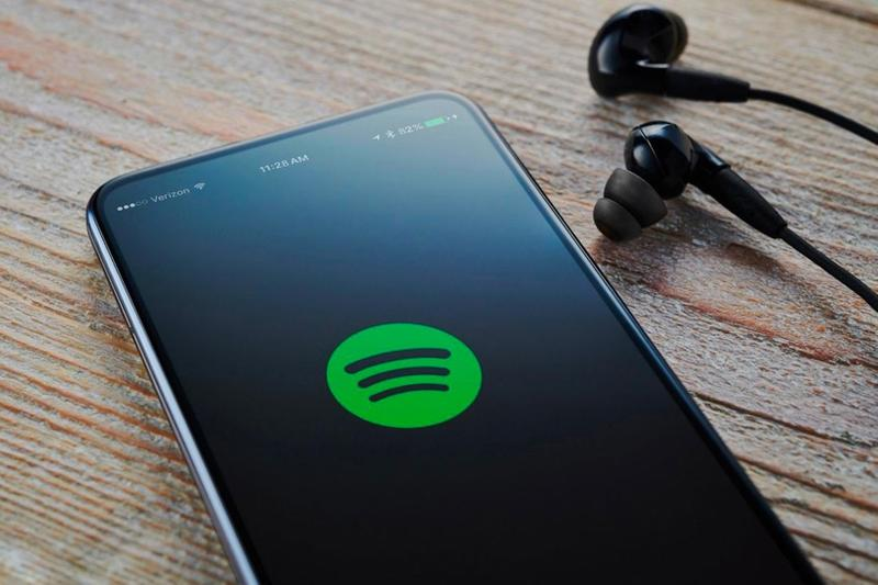 spotify songs lyrics feature ios android devices phones tech music