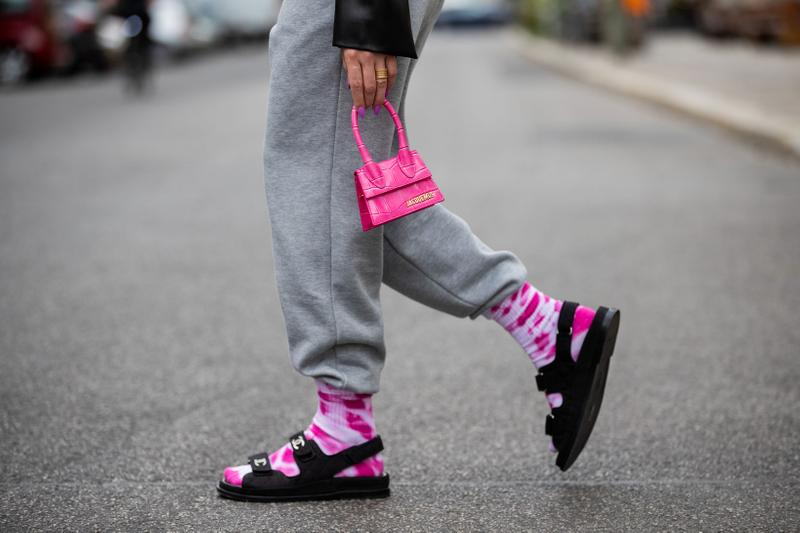 Street Style Berlin 2020 Jacquemus Chiquito Bag Pink Sweatpants Chanel Sandals