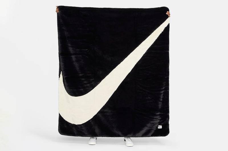 Nike Faux Fur Swoosh Logo Blanket Black & White Cape Fleece Cozy Fall Winter