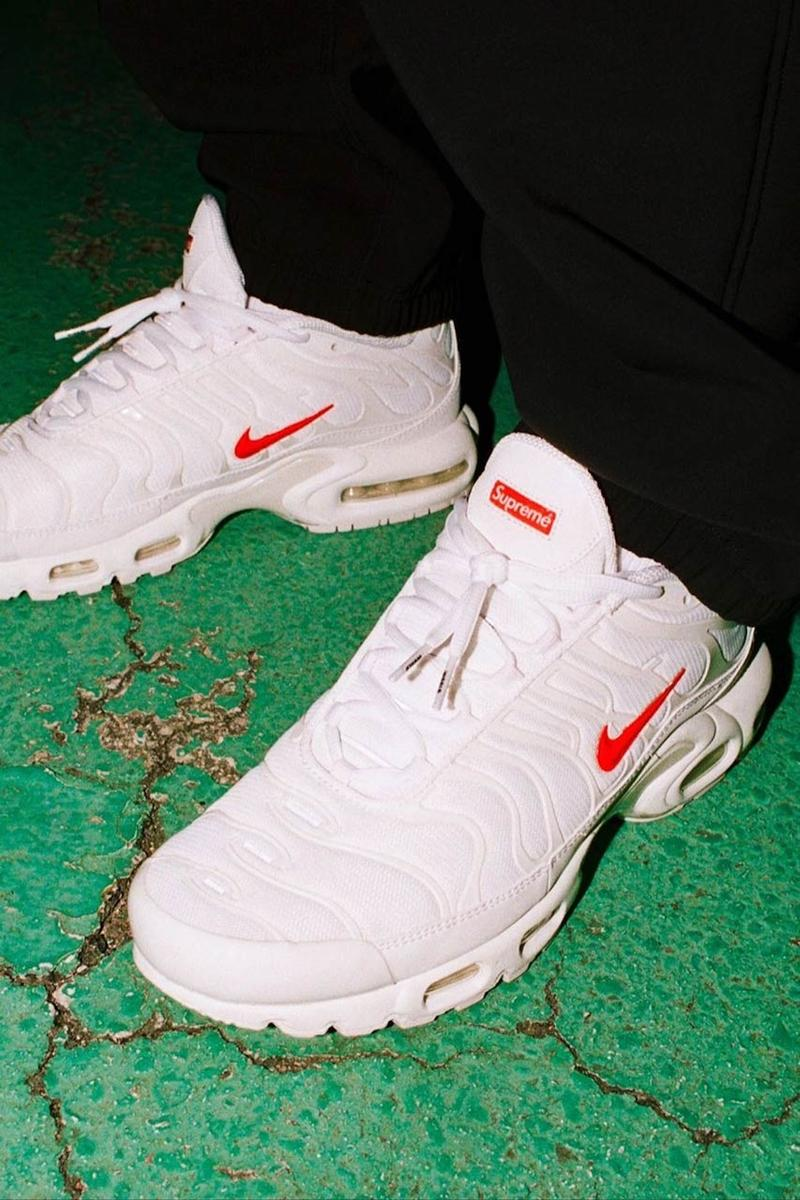supreme nike air max plus collaboration sneakers white red shoes footwear sneakerhead