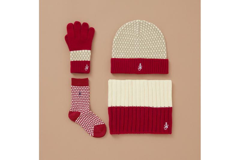uniqlo jw anderson holiday collaboration accessories beanies gloves scarves socks