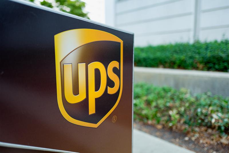ups employee appearance policy update afros braids beards hair hairstyle delivery service