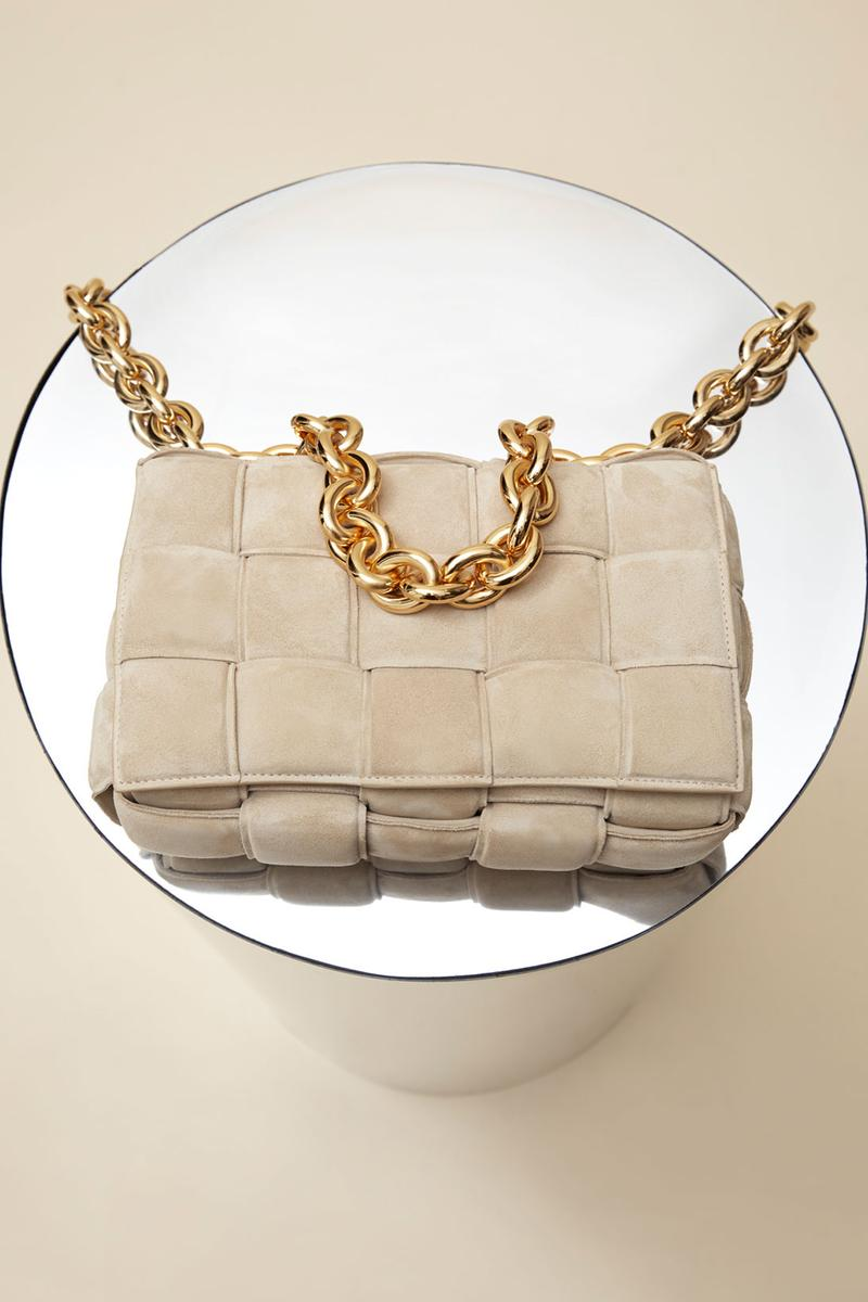 bottega veneta mytheresa exclusive chain cassette bag suede sand beige porridge