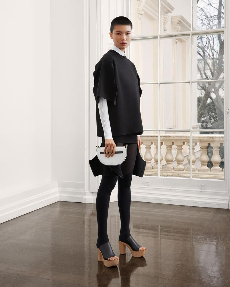 burberry fall winter fw21 pre-collection riccardo tisci black and white clogs mules