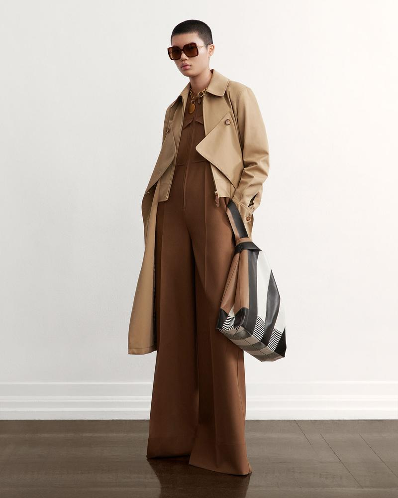 burberry fall winter fw21 pre-collection riccardo tisci beige jumpsuit trench coat bag