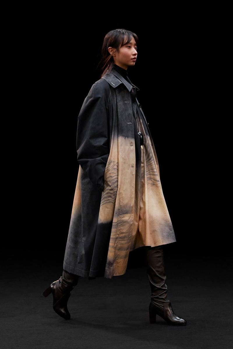 lemaire fall winter collection lookbook flaneur coats layered outfits oversized blazers christophe sarah linh tran