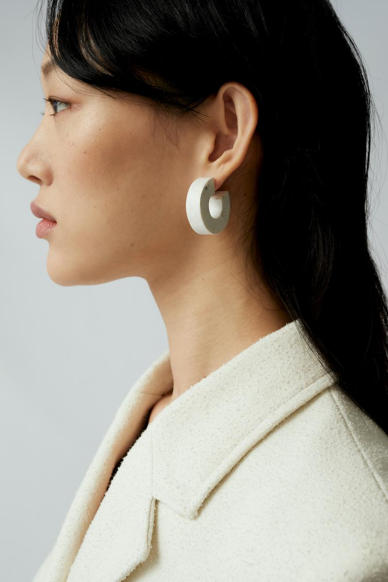 sora choi cos spring womenswear summer collection lookbook earrrings jewelry white jacket outerwear