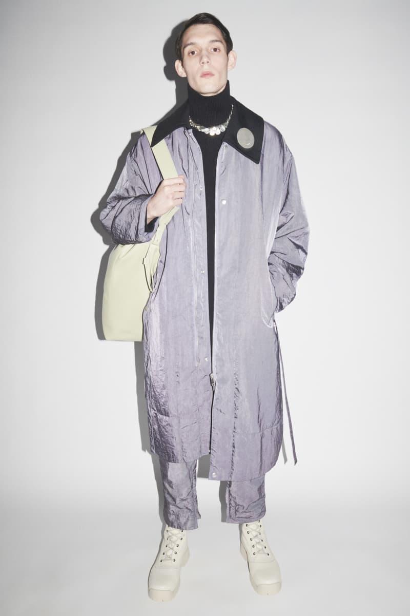 jil sander menswear fall winter fw21 collection lookbook reflective purple silver coat pants