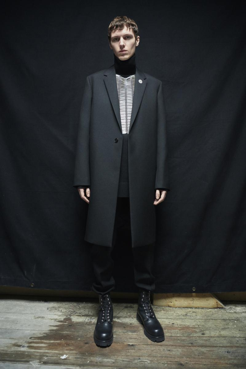jil sander menswear fall winter fw21 collection lookbook black coat single breasted