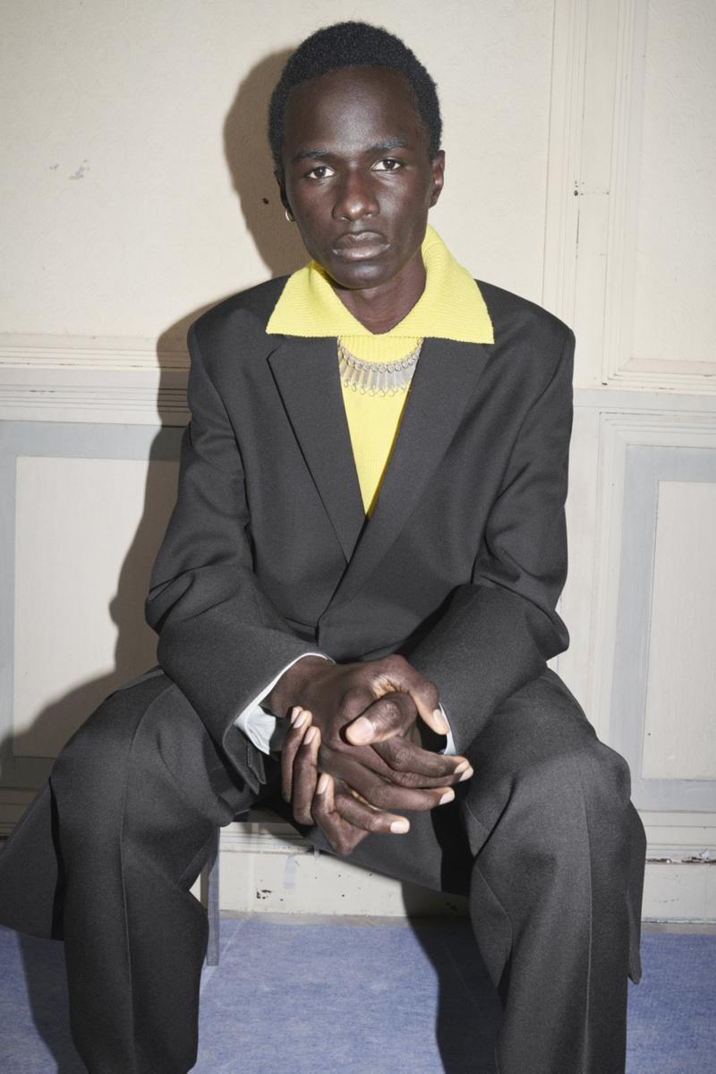 jil sander menswear fall winter fw21 collection lookbook black suit yellow sweater