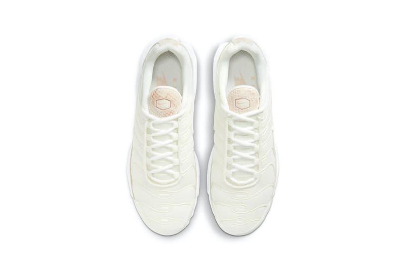 nike air max plus sneakers pink snakeskin print white colorway sneakerhead footwear shoes insole aerial birds eye view