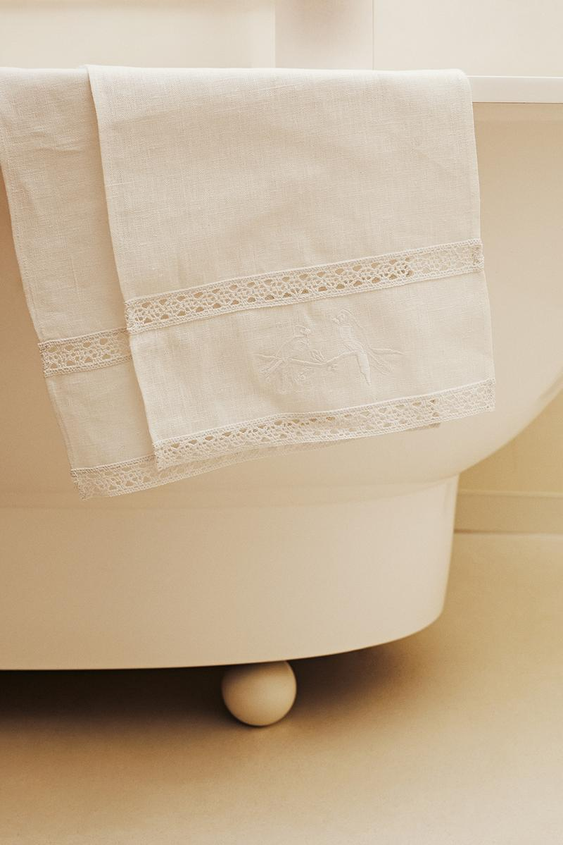 sleeper home homeware decor collection cloth towel white bath tub toilet