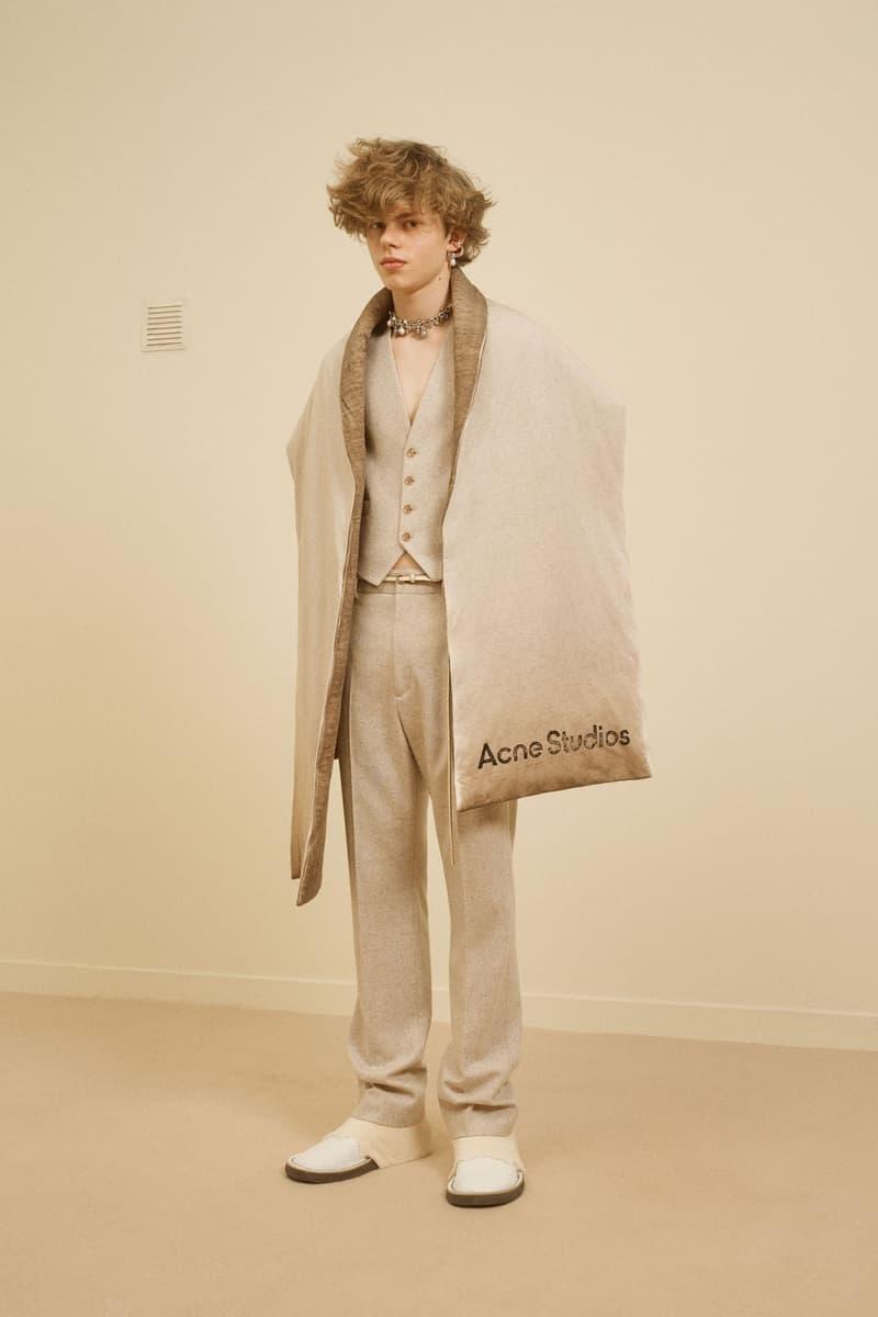 acne studios menswear fall winter 2021 fw21 collection lookbook oversized scarf beige