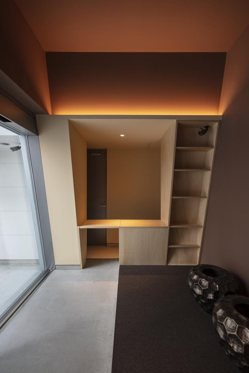 japan aisaka architects atelier house in tsukuba interior home design bookshelf