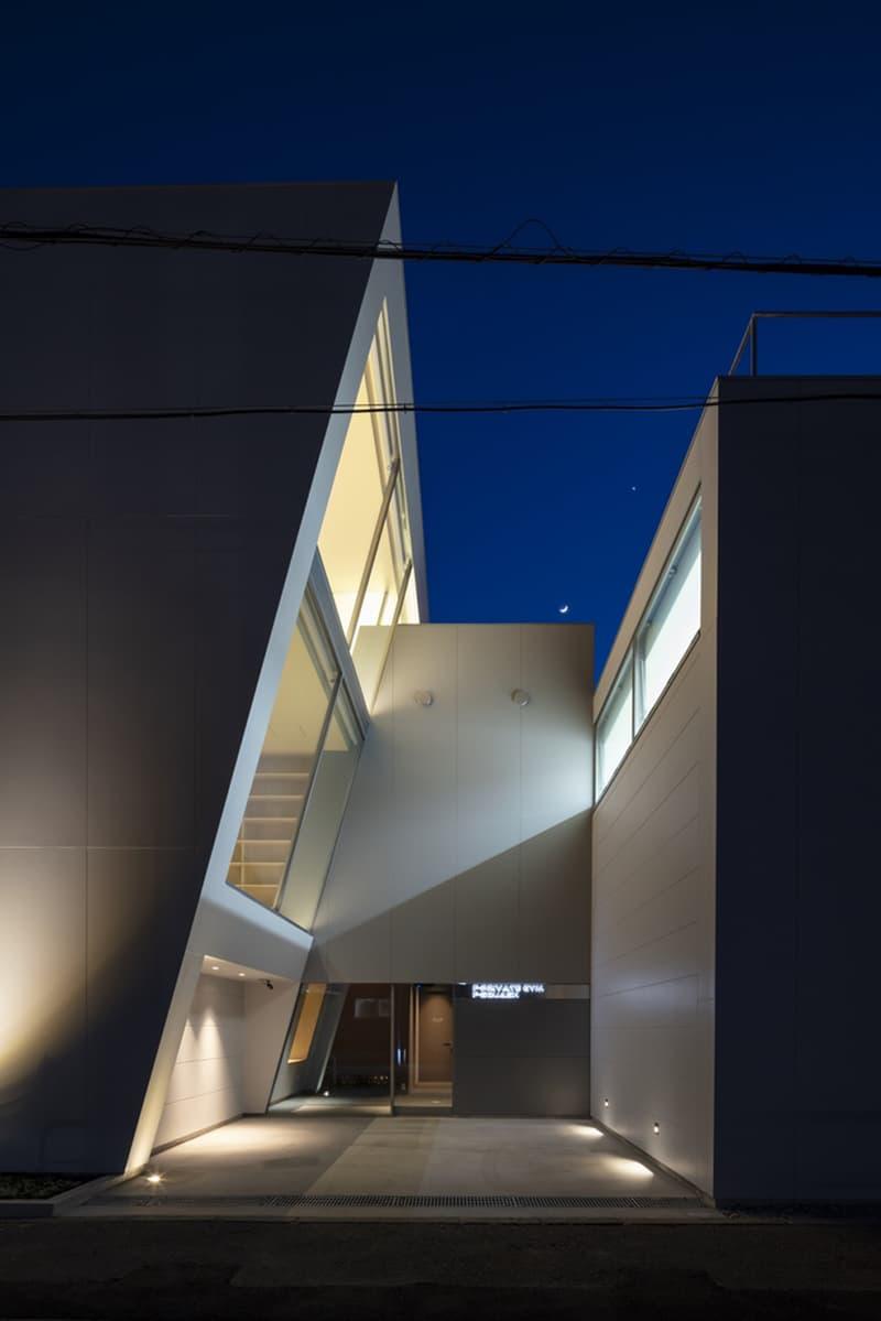 japan aisaka architects atelier house in tsukuba night exterior lights