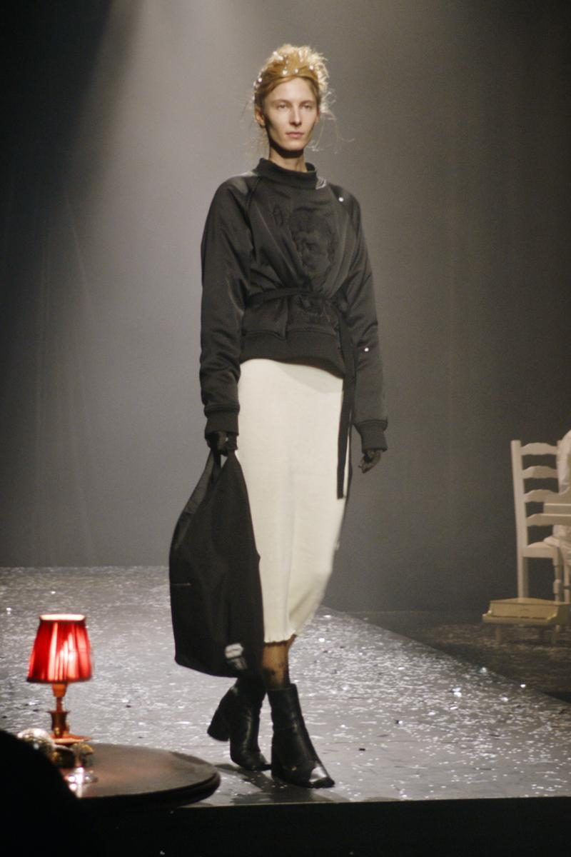 mm6 maison margiela fall winter collection paris fashion week pfw outerwear jacket skirt eastpak backpack
