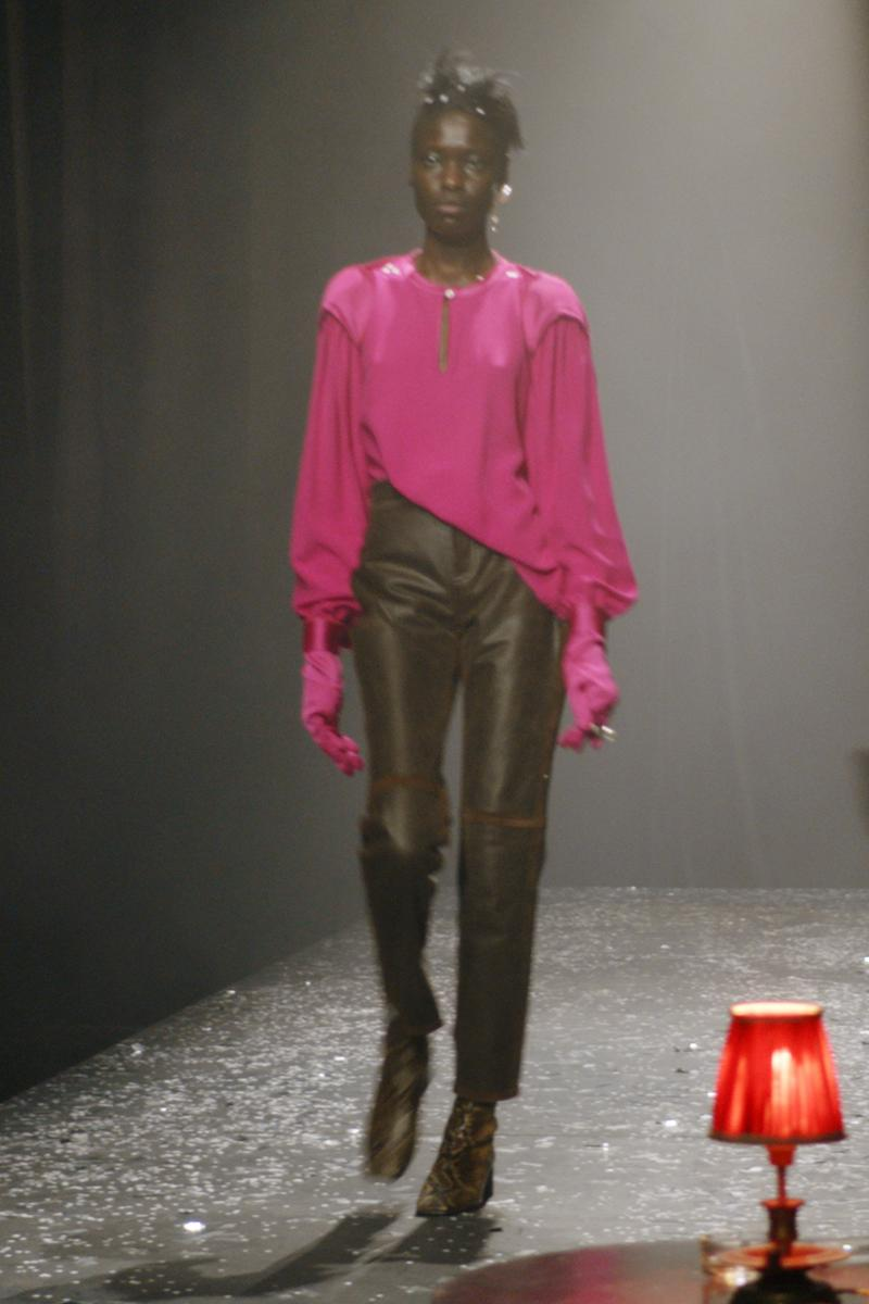 mm6 maison margiela fall winter collection paris fashion week pfw pink long sleeve top black leather pants gloves