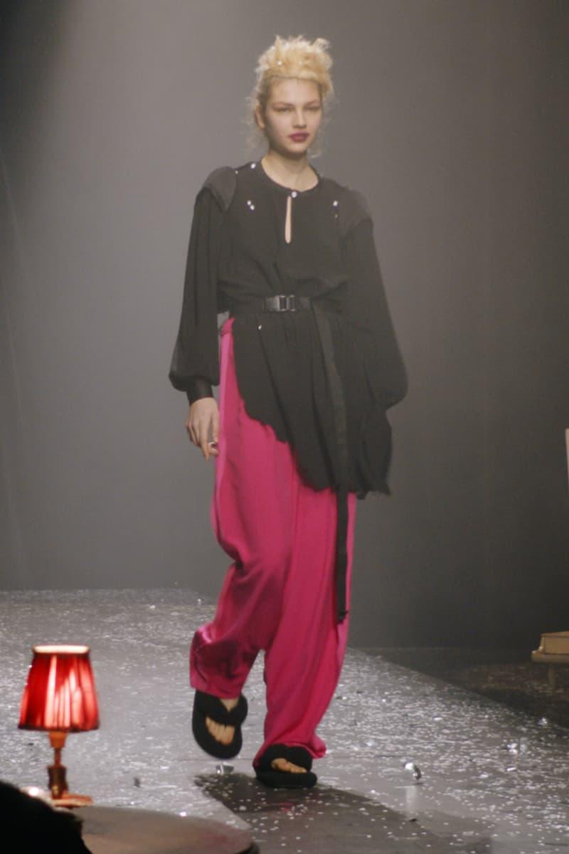 mm6 maison margiela fall winter collection paris fashion week pfw black long sleeve top pink pants sandals
