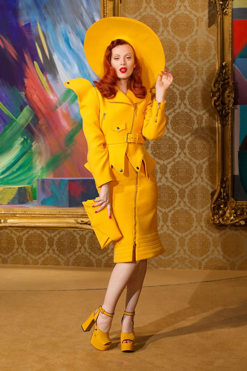 moschino fall winter fw21 collection jungle red show jeremy scott yellow skirt suit heels art museum
