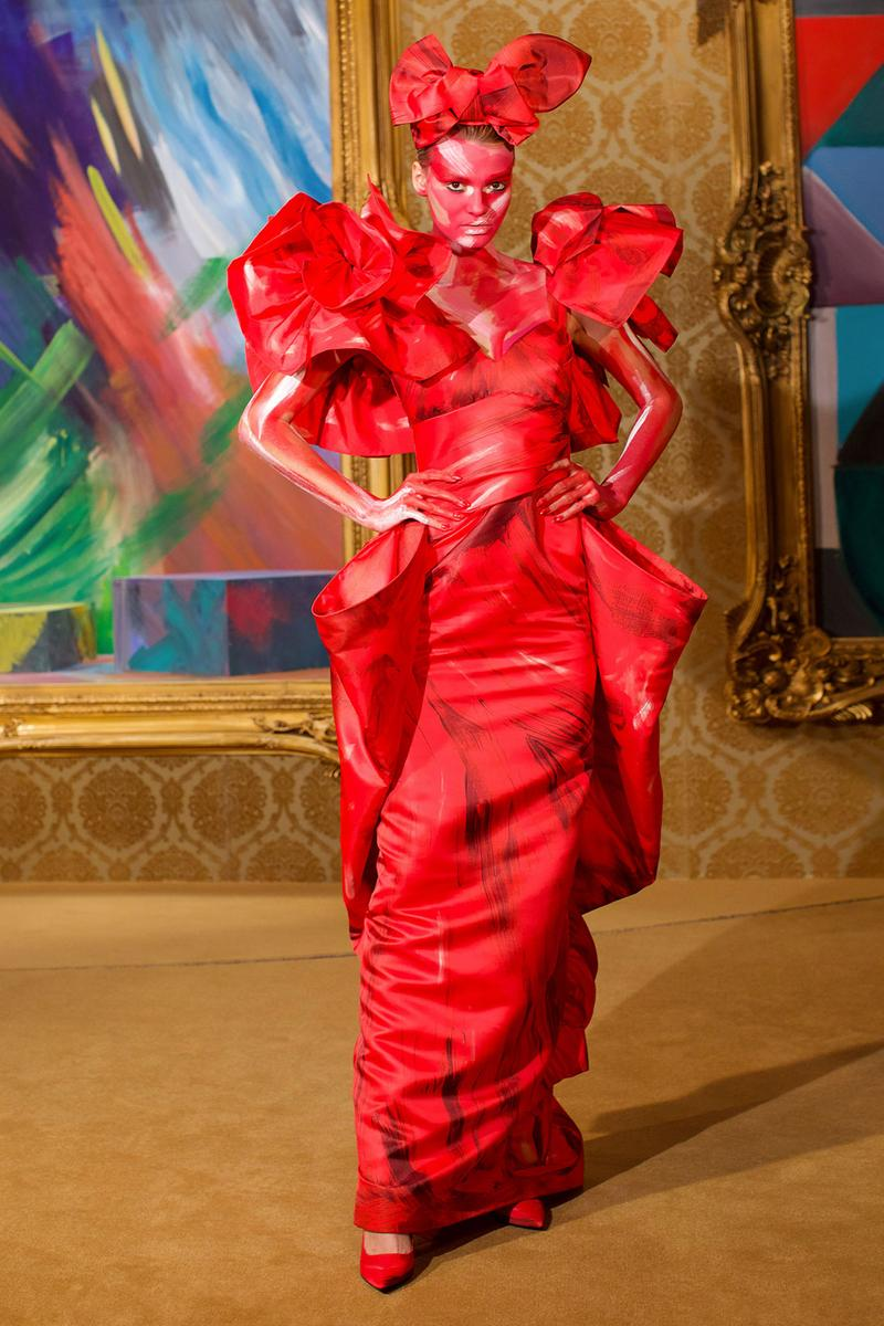 moschino fall winter fw21 collection jungle red show jeremy scott paint print pattern dress gown