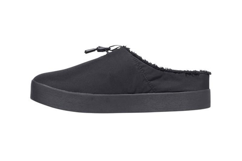 the north face tnf nomad clog fleece lined black warm winter slippers details laterals side