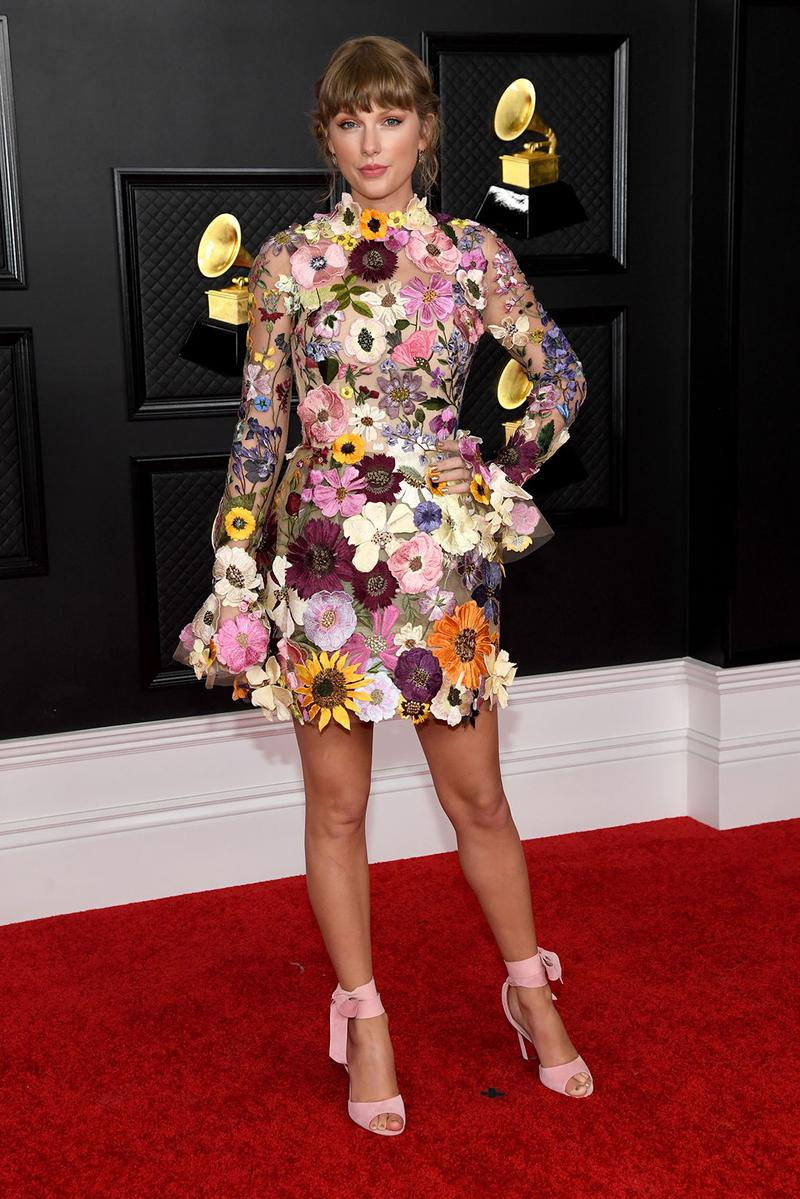 grammy awards 63rd best dressed celebrities red carpet looks taylor swift