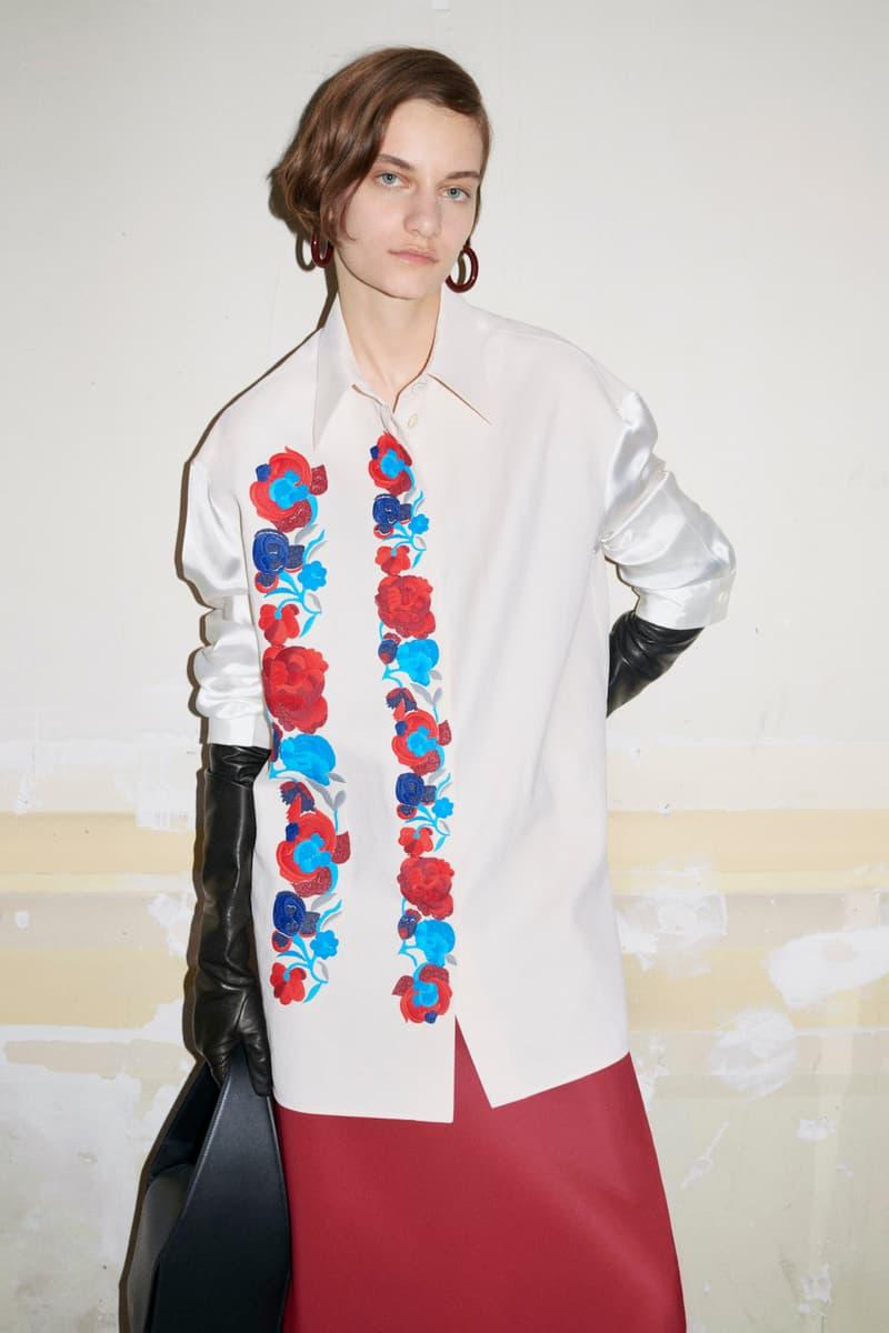 jil sander fall winter womens collection paris fashion week pfw long sleeve top gloves skirt handbag
