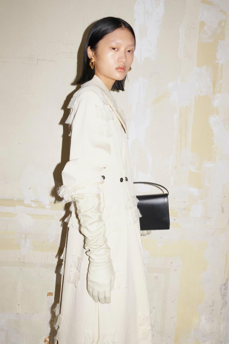 jil sander fall winter womens collection paris fashion week pfw gloves outerwear coat handbag
