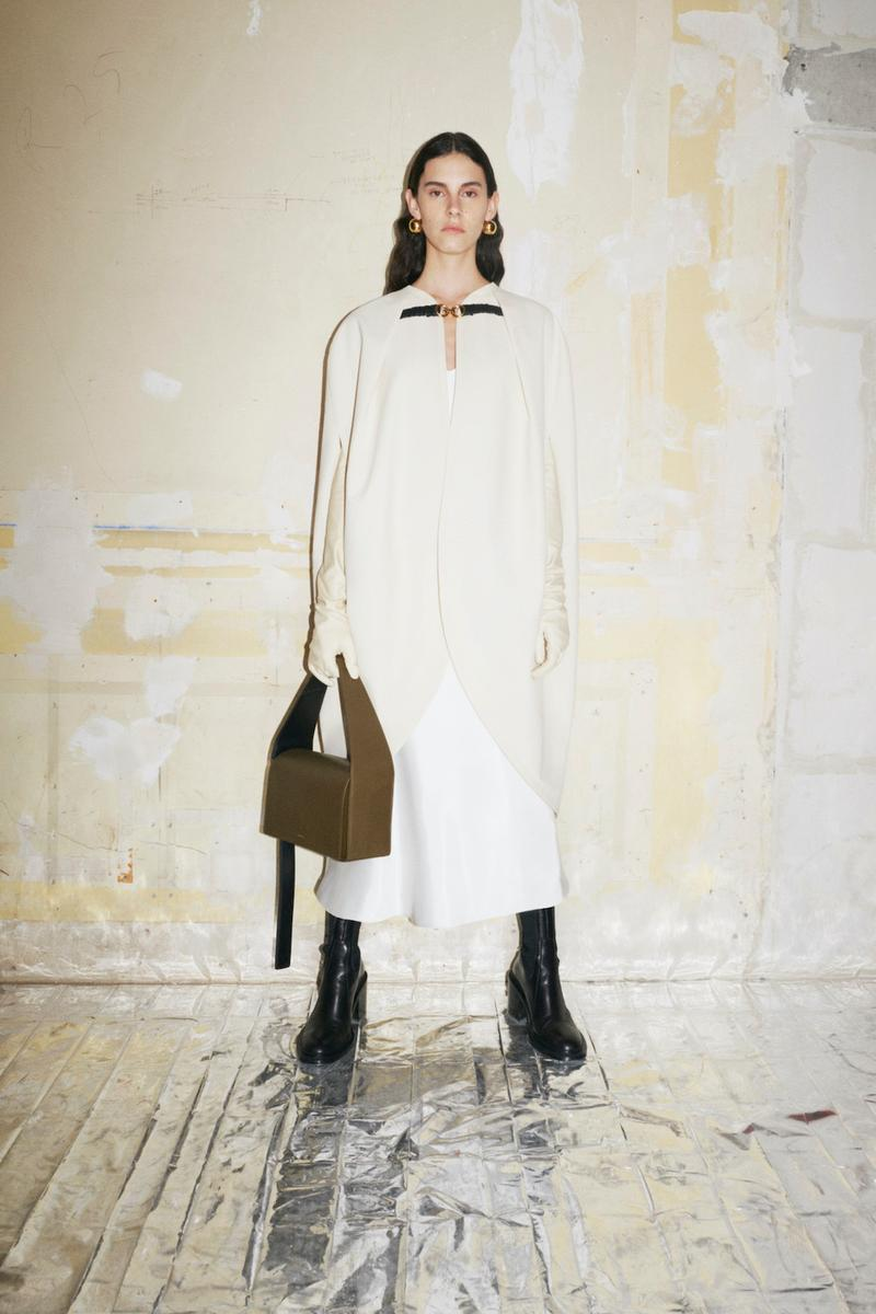 jil sander fall winter womens collection paris fashion week pfw outerwear jacket hangbag boots