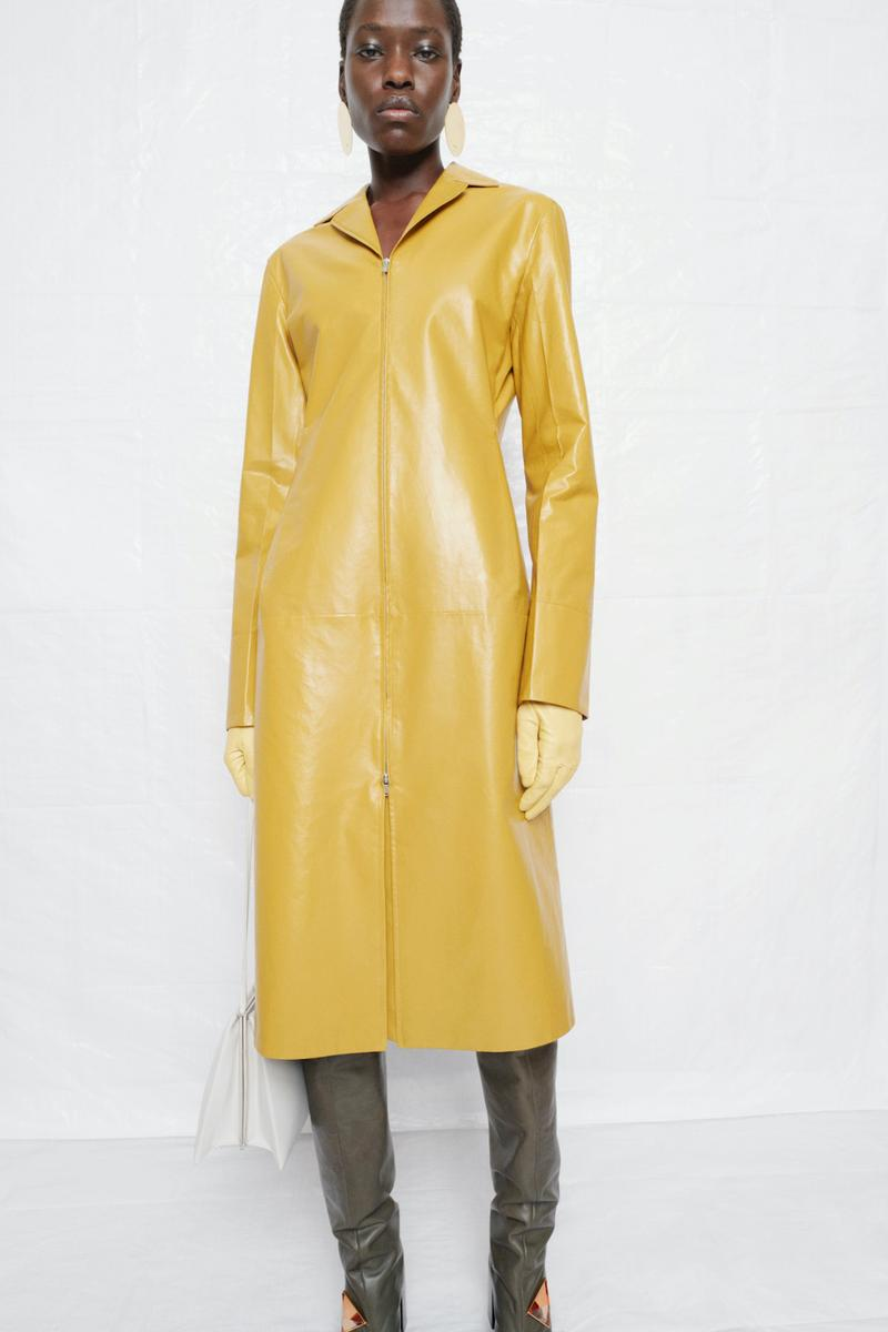 jil sander fall winter womens collection paris fashion week pfw outerwear gloves trench coat pants
