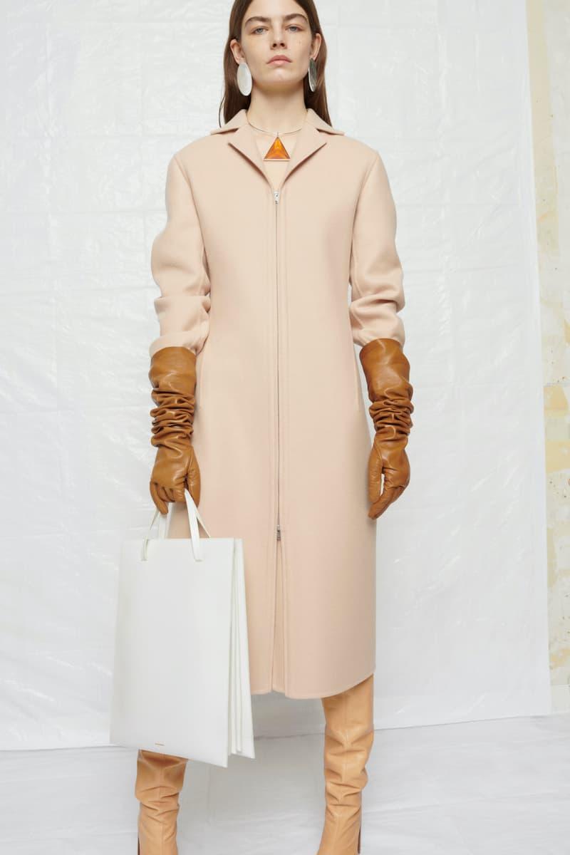 jil sander fall winter womens collection paris fashion week pfw outerwear jacket gloves handbag