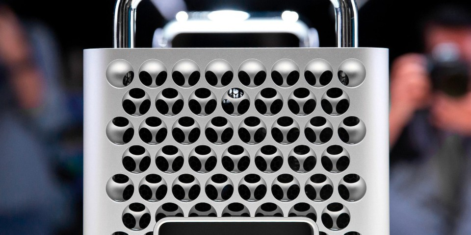 "Apple Is Exploring Mac Pro's ""Cheese Grater"" Design for the iPhone"