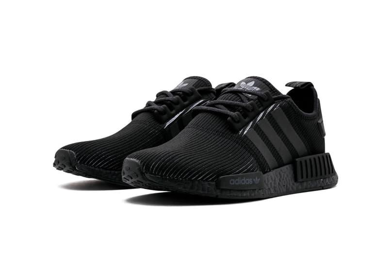 """adidas NMD_R1 """"Triple Black""""  リブニット素材"""