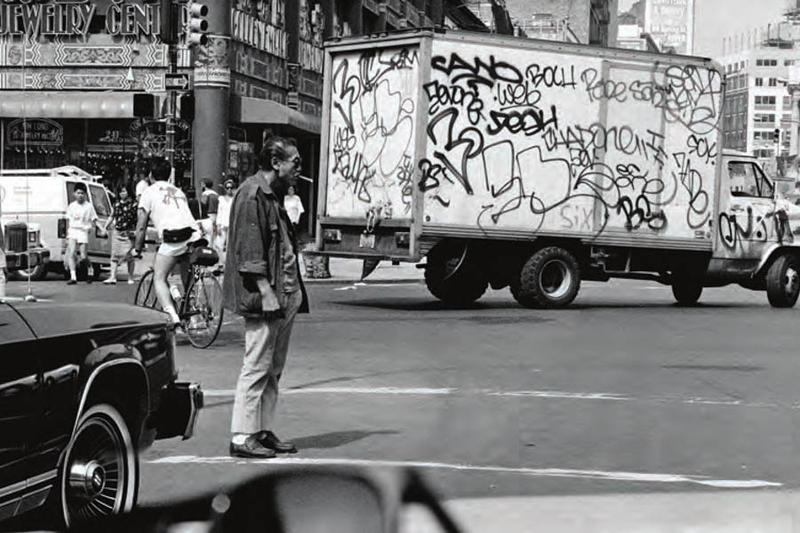 """SHIPS JET BLUE の新プロジェクトは""""ニューヨークのアカデミックなお土産屋"""" EXPANSION と写真家 マット・ウェーバーをパートナーにローカル感満載の別注Tシャツを製作"""