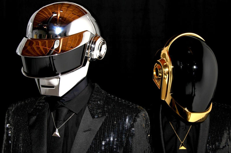 Daft Punk デビューアルバム ドラムマシン Faceboook 売り オークション Roland TR-909  Revolution 909 Homework Thomas Bangalter