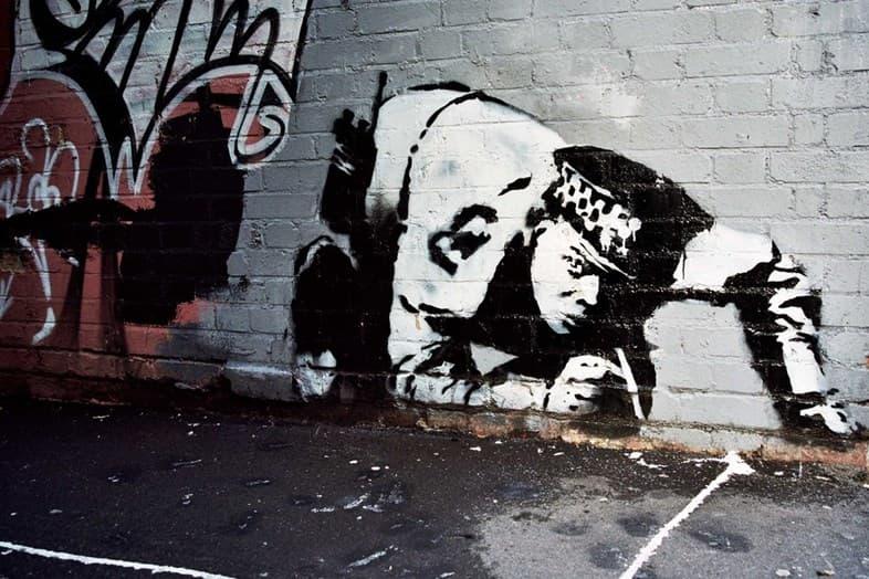 "Banksy のグラフィティ ""Snorting Copper"" が10年の時を経て再び発見 バンクシー ショアディッチ ロンドン イーストロンドン ショーディッチ ハックニー"