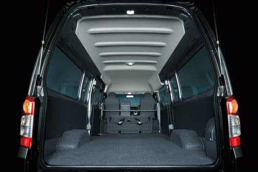小型貨物車屈指の広さを誇る日産の新世代ビジネスバン NV350キャラバン  日々の業務において何かと重宝する日産の人気バンがアップグレード ブラウン ブラック シルバー ホワイト