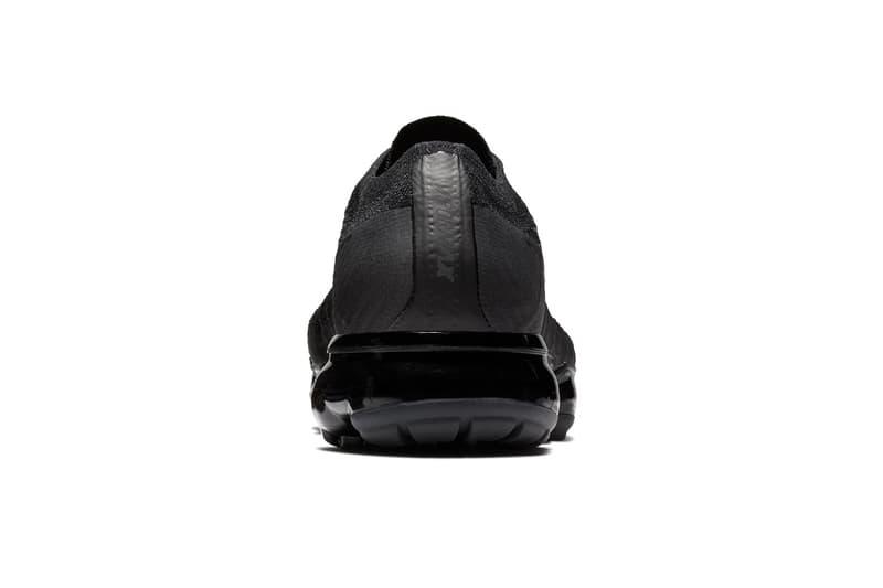 """ソールユニットまで黒く輝く Nike Air VaporMax """"Triple Black"""" が登場"""