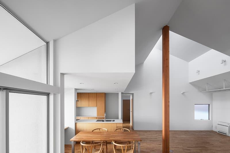 """伝統を汲みつつもミニマルに仕上げた現代の日本家屋""""大上の家"""""""
